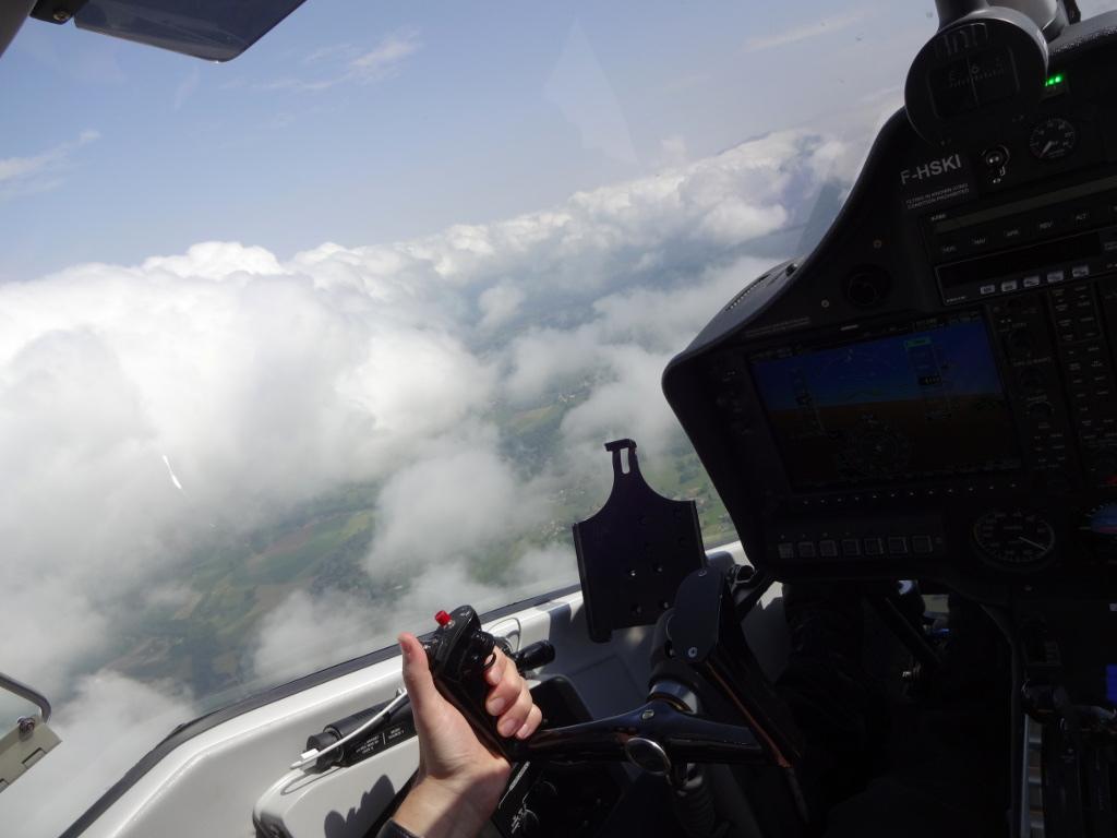Aix_les_bains-lac_du_bourget-vol-avion-vulcanair_P68_Turbo_Observer-christophe_chapuis-alpine_airlines-4