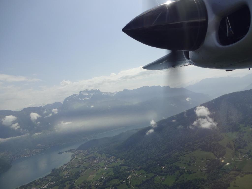 Aix_les_bains-lac_du_bourget-vol-avion-vulcanair_P68_Turbo_Observer-christophe_chapuis-alpine_airlines-5