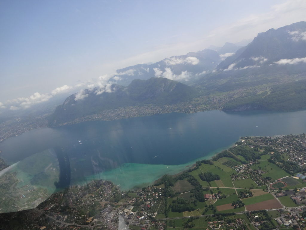 Aix_les_bains-lac_du_bourget-vol-avion-vulcanair_P68_Turbo_Observer-christophe_chapuis-alpine_airlines-6