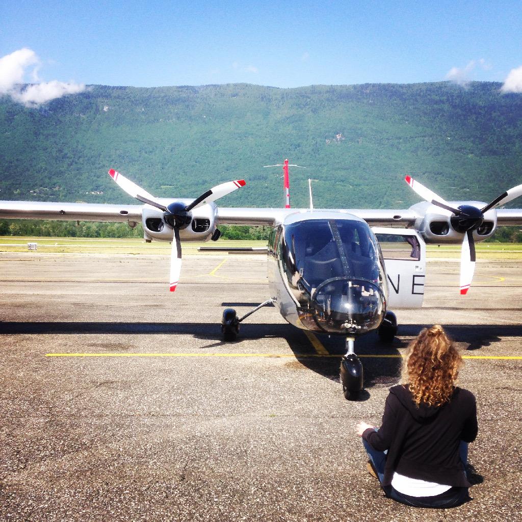 Aix_les_bains-lac_du_bourget-vol-avion-vulcanair_P68_Turbo_Observer-christophe_chapuis-alpine_airlines