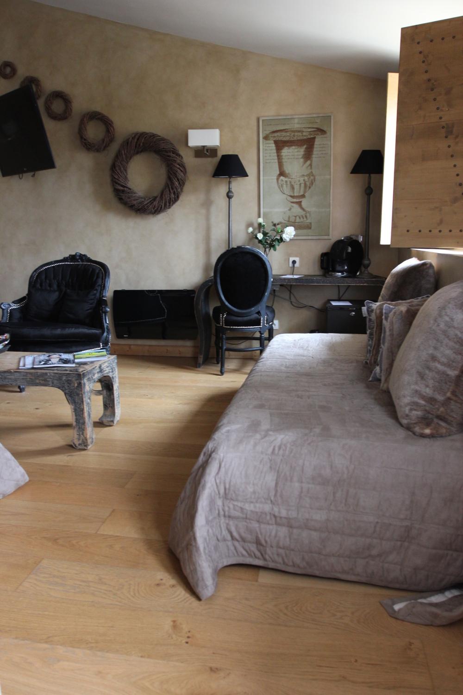 charme_bussiness_hotel-les_logis-limonest-junior_suite