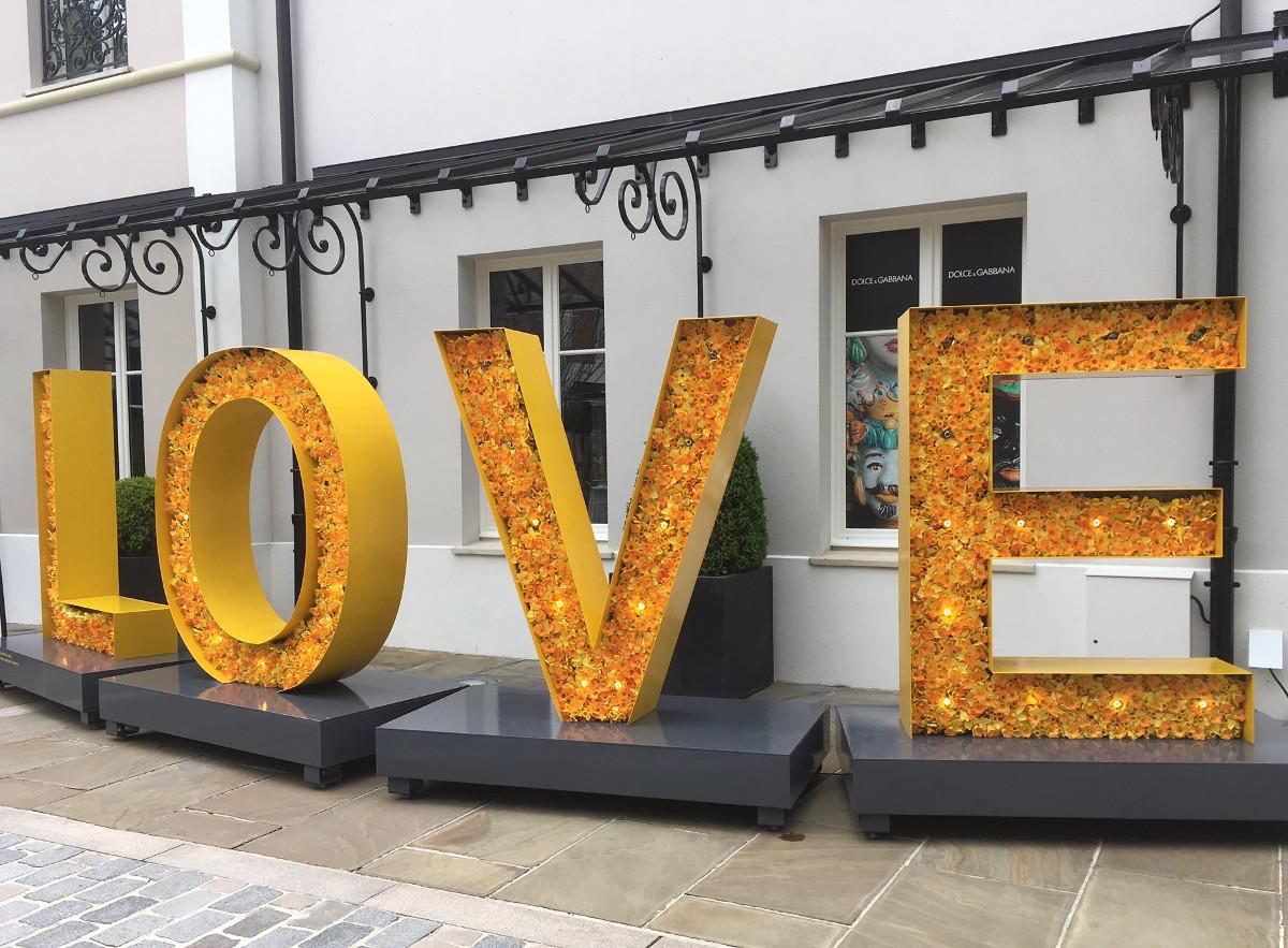 LOVE_Vallee_Village