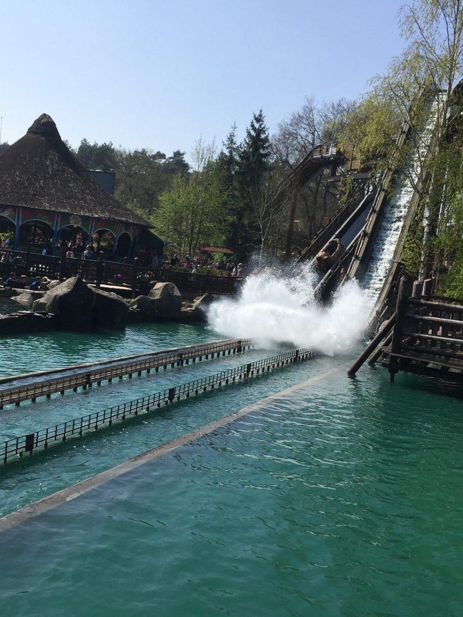 Parc_Asterix-Amusement_park-France-Menhir_Express